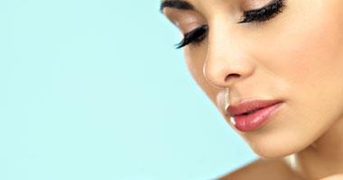 خبيرة تجميل تقدم خطوات للعناية بالبشرة - البشرة الدهنية - جمال الوجه - woman face