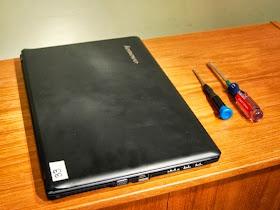Toshiba L505 L505D L500 L500D LCD Frame Front Bezel Rubber Bumper Covers