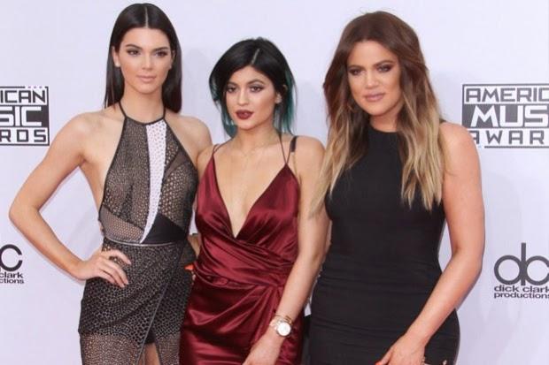 La familia Kardashian renueva contrato en televisora ¡por 100 millones de dólares!