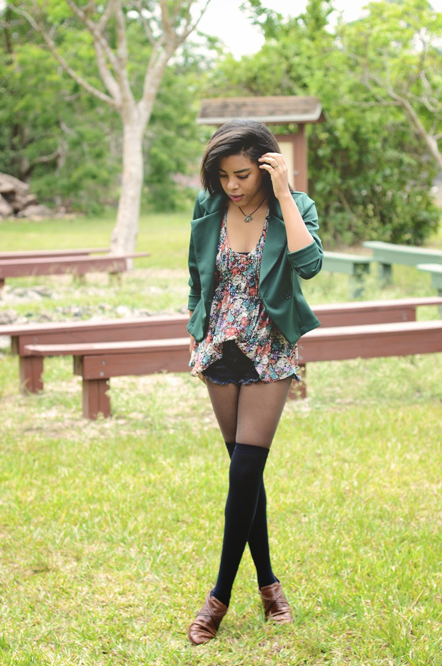 Nature Girl Indie Fashion Blogger Anais Alexandre of Down to Stars in a paisley floral top by american rag with emerald blazer from love culture and vintage leather shoes