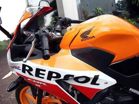 gambar All New Honda CBR150R Repsol Edition