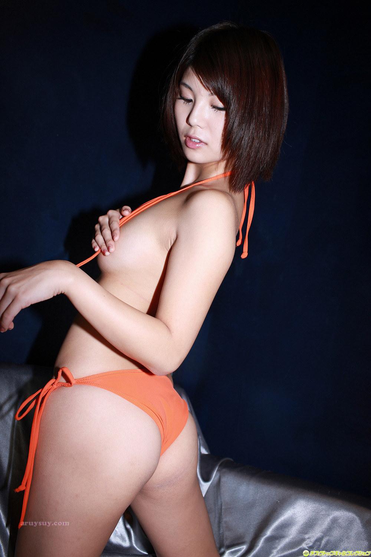 Японки в развратных купальниках фото 60-320
