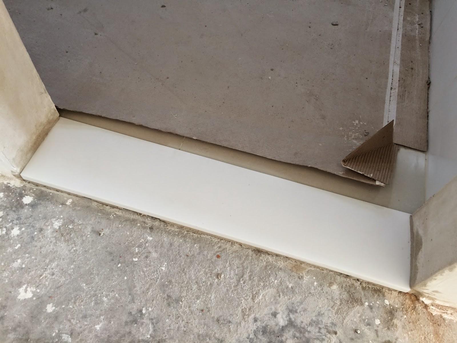 com a pia a soleira de entrada da cozinha também é em Quartzo Branco #413327 1600 1200