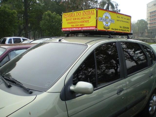 Carro equipado com GPS