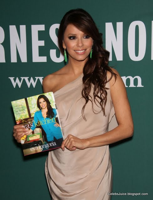 Eva Longoria - Barnes & Nobles in Los Angeles-6