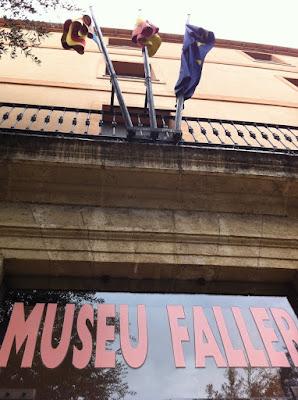 Valencia+Museo+Fallero Valencia ist sogar bei Regen unbeschreiblich   Valencia es indiscriptible incluso lloviendo