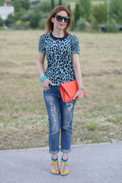 Maison Scotch mixed prints blouse, Zara boyfriend jeans, Fashion and Cookies