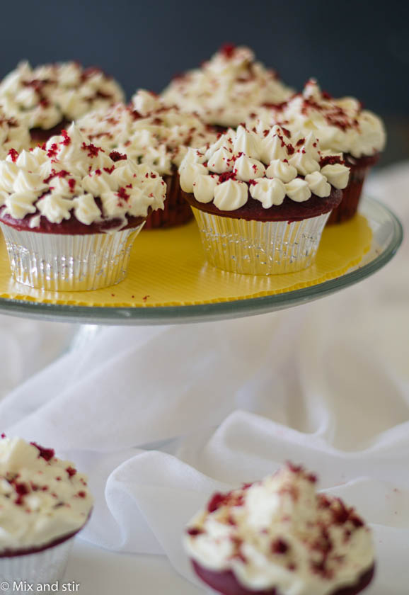 red velvet cupcakes (and in a jar)