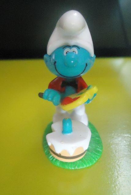 Painter Smurf figure