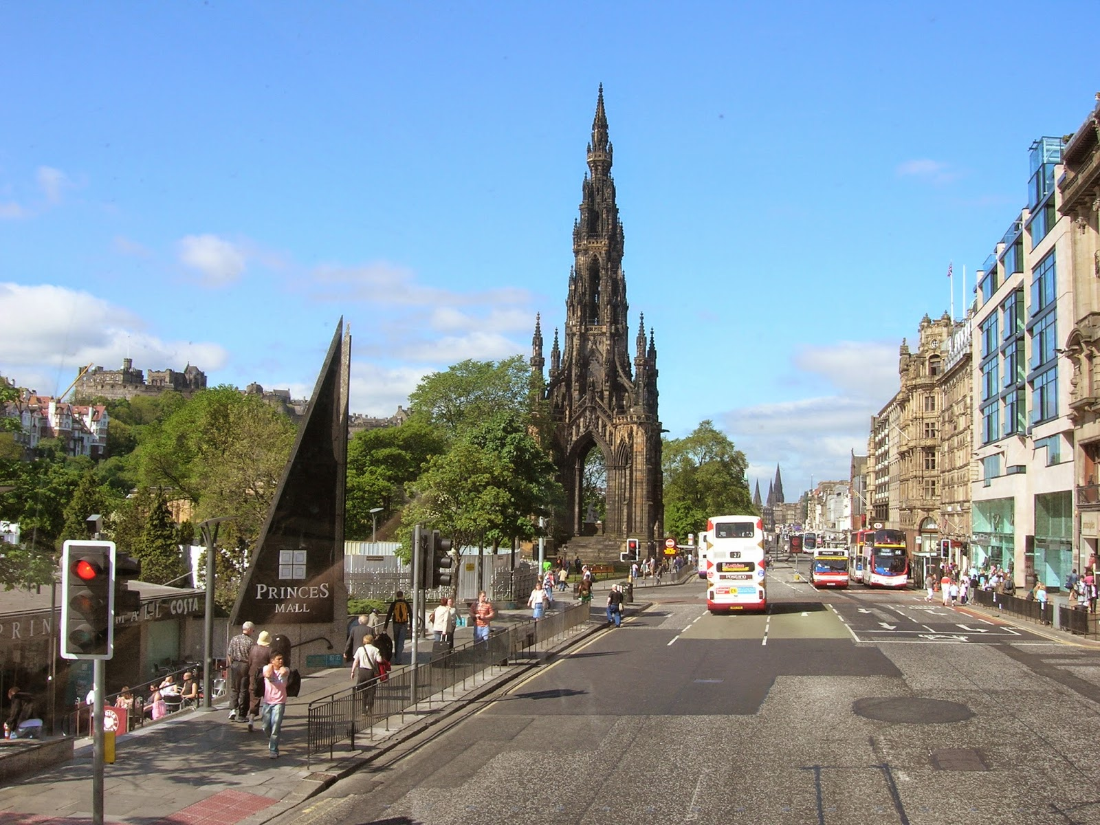 Edinburgh-princes-street-shopping-scenery