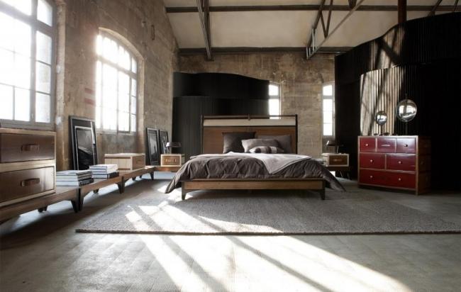 De Nuevo Un Espacioso Dormitorio Rstico Donde La Cama Es La Que