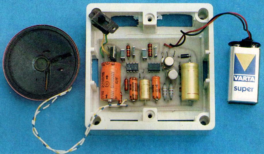 electronique et electricite un carillon de porte special immeuble collectif. Black Bedroom Furniture Sets. Home Design Ideas