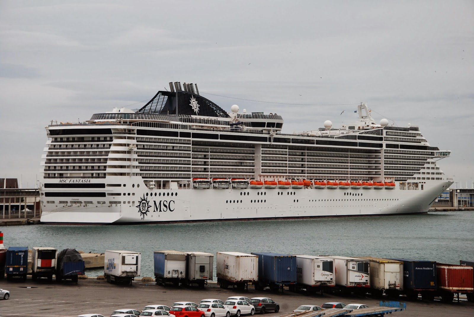 NAVIGATIONCruising And Maritime Themes Cruise Ships In
