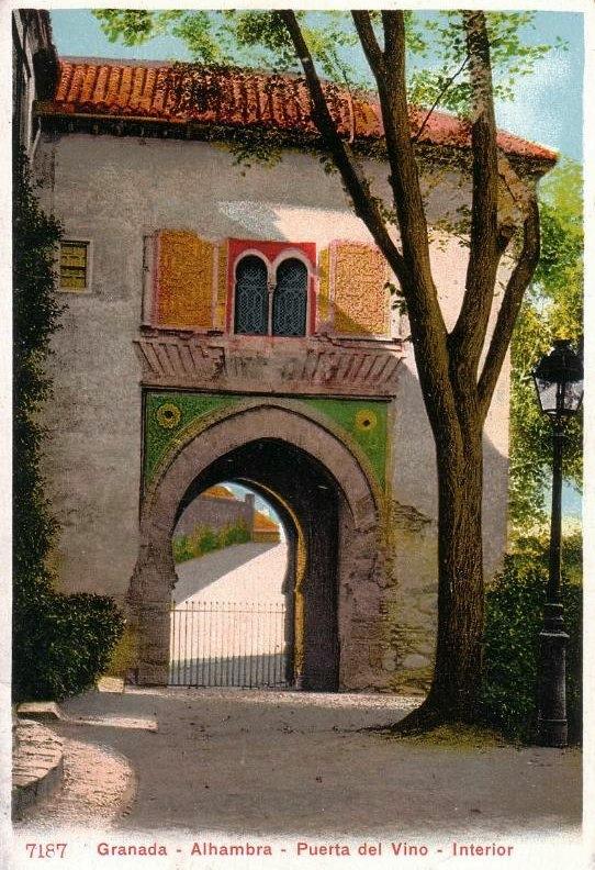 Granada en blanco y negro puerta del vino 1900 - Portes en granada ...