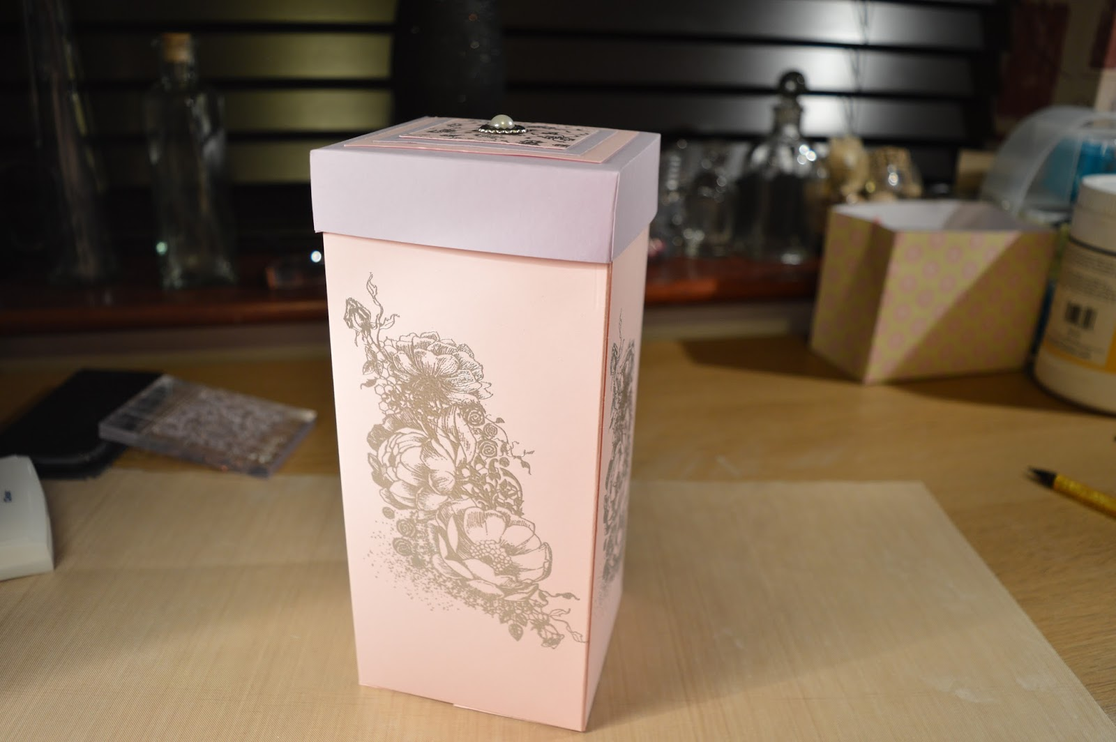 Sukilu crafts wine glass box step by step tutorial for Glass boxes for crafts