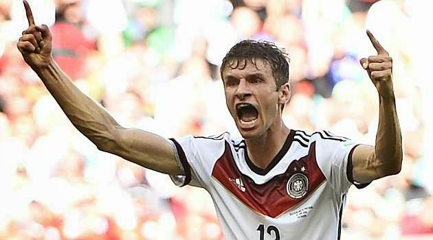 Müller pichichi del Mundial en solitario en la primera jornada con 3 goles.