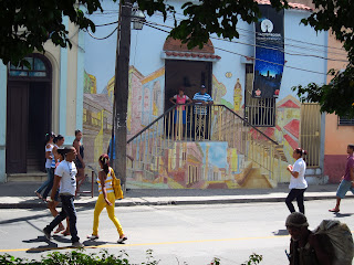 Santiago de Cuba mural on front of building
