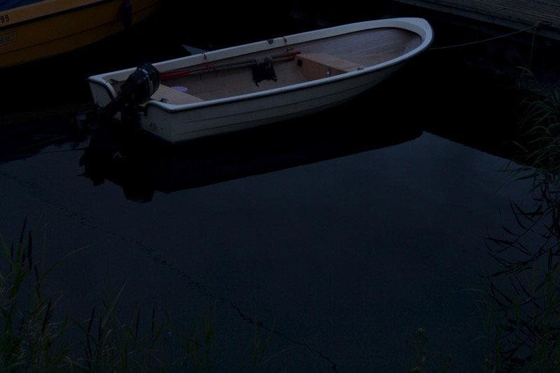 valkoinen vene