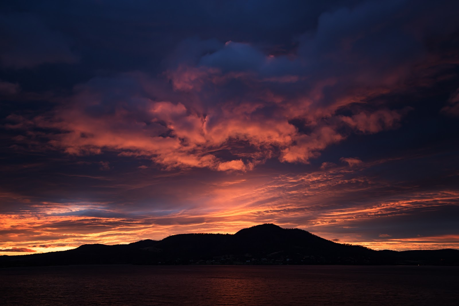 red sky sunrise hobart