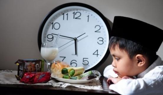 Cerkak Bahasa Jawa Ngoko Pengalaman Pribadi Puasa di Bulan Ramadhan