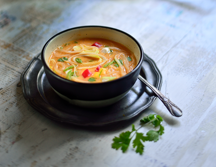 #ThaiCurrySoup #ThaiSoup #ThaiVeggieSoup #ThaiFood #WarmSoup #SimiJoisPhotography