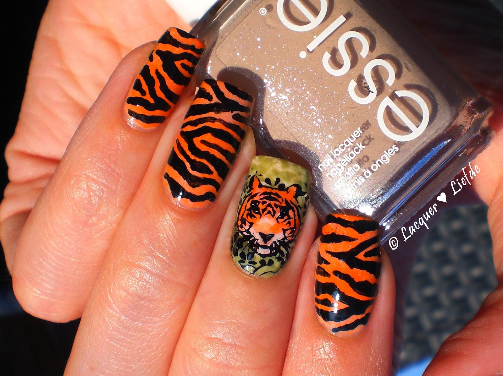 Tiger Nailart