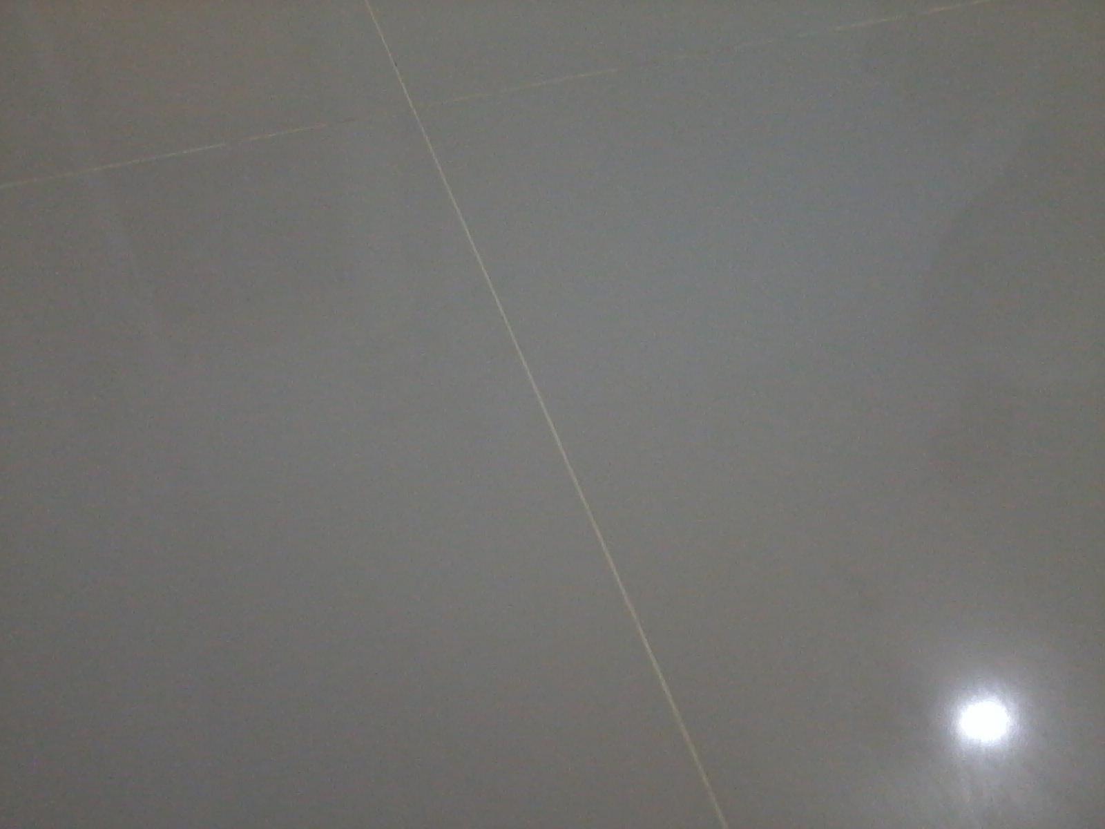 Tirando O Rejunte Epoxi Colocamos A Cor Errada Um Dia No Ap A  -> Sala Com O Piso Porcelanato Polido Cinza