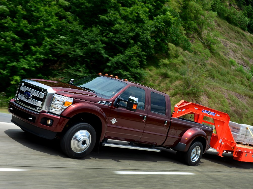 2015 Ford F-450 Rated Best-In-Class for Towing