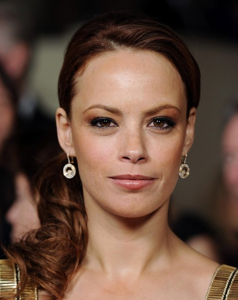 See the latest Jewellery worn by famous people: Bérénice Bejo ...