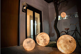 The Moon in your Room, bedroom, room, rooms, bedrooms, romantic, romantic bedroom, romantic table, moon