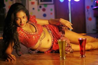 Aak Rao Pk Rao movie stills 012.jpg