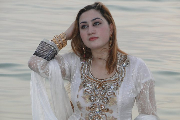 View Full Size | More pashto cute singer latest celebrity and dubai ...