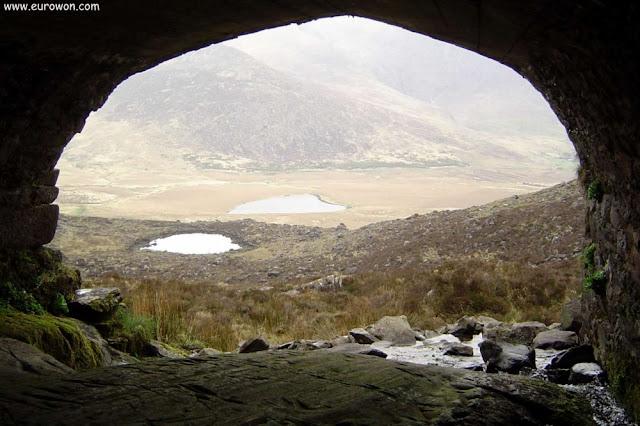 Debajo de un puente del Conor Pass