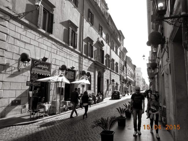 spre Piazza Spania