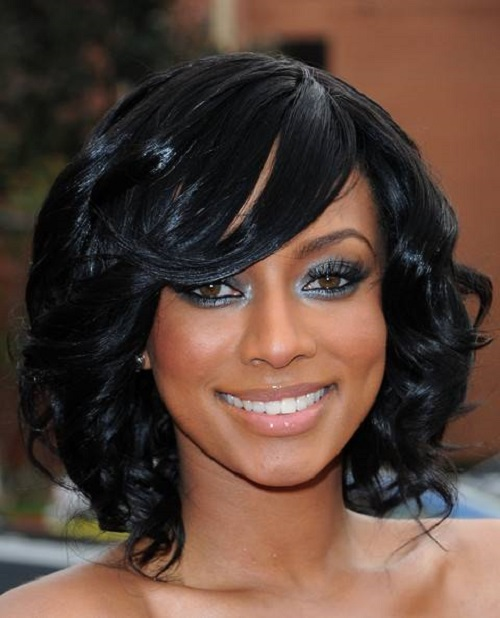 Natural Hairstyles for African American Women with Medium Length Hair