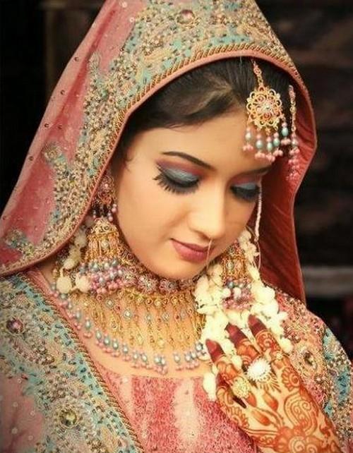 Best Bridal Makeup Tutorials : New Fashion Trends: Latest Bridal Makeup Tips