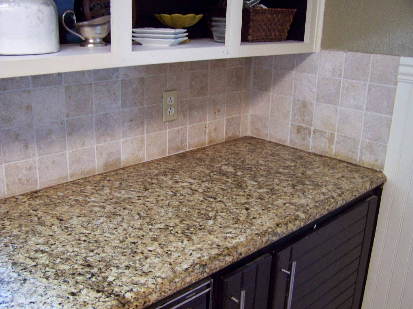 Older and wisor painting a tile backsplash and more easy kitchen painting a tile backsplash and more easy kitchen updates dailygadgetfo Choice Image