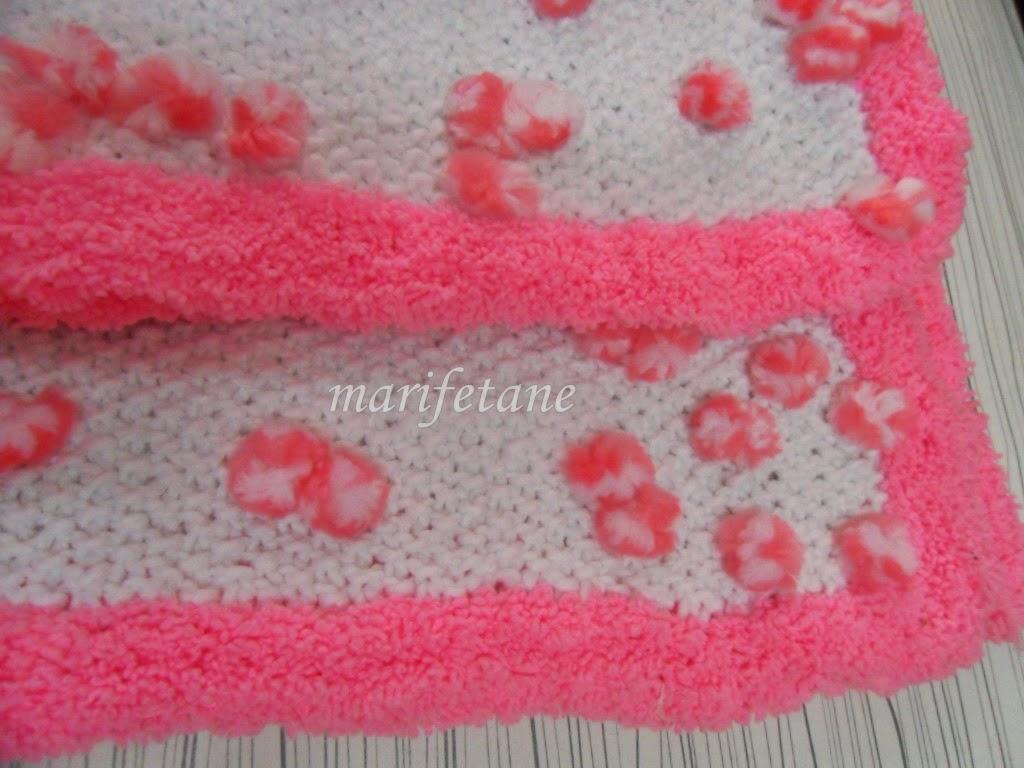 pompomlu ip ile örgü battaniye