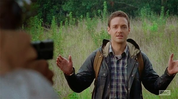 Ross Marquand es Aaron en  The Walking Dead 5x10 - Them