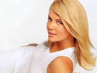 Charlize Theron Hollywood Best Actress Hot HD Wallpapers In 2013
