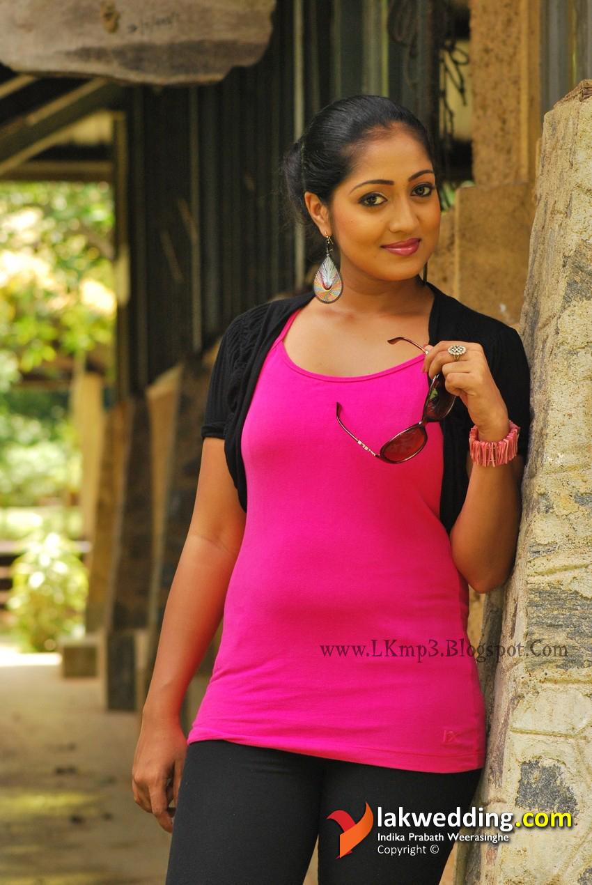 Thanuja Weerasooriya Nude Photos 27