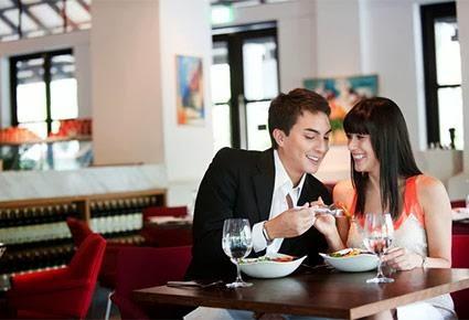 نصائح وقواعد لتظهر شهامتك ولطفك مع المرأة التى تحبها  - موعد لقاء غرامى عاطفى رومانسى - romantic date