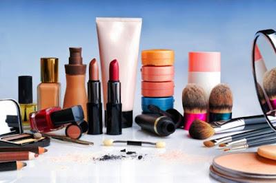 Kosmetik Tak Layak Pakai