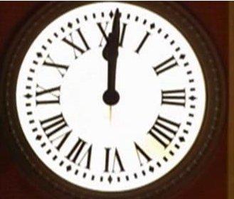 Ballesterismo iv iiii relojes con numeraci n romana for El reloj de la puerta del sol