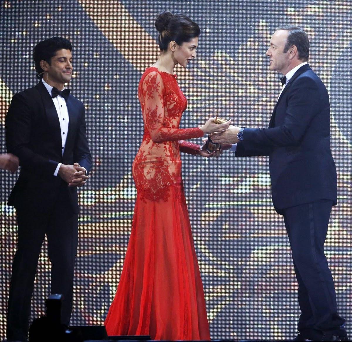 Deepika Padukon in iifa Award 2014