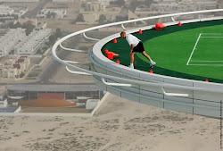*Ντουμπάι. Το πιο ψηλό γήπεδο τένις στον κόσμο