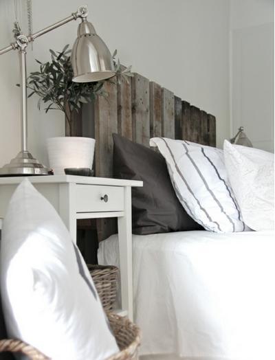 A mi manera c mo hacer una cabecera con tarimas de madera for Como hacer una cabecera de cama