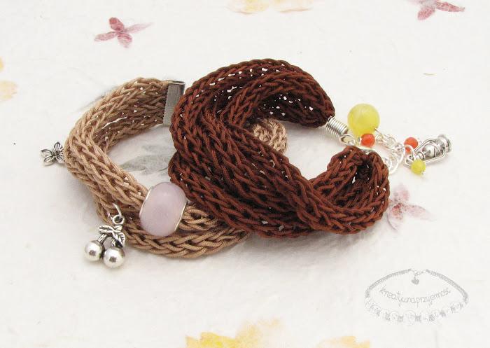 Bransoletki wyplecione z nylonowego połyskliwego sznurka 1