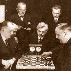 Alexander Alekhine - Efim Bogoljubov