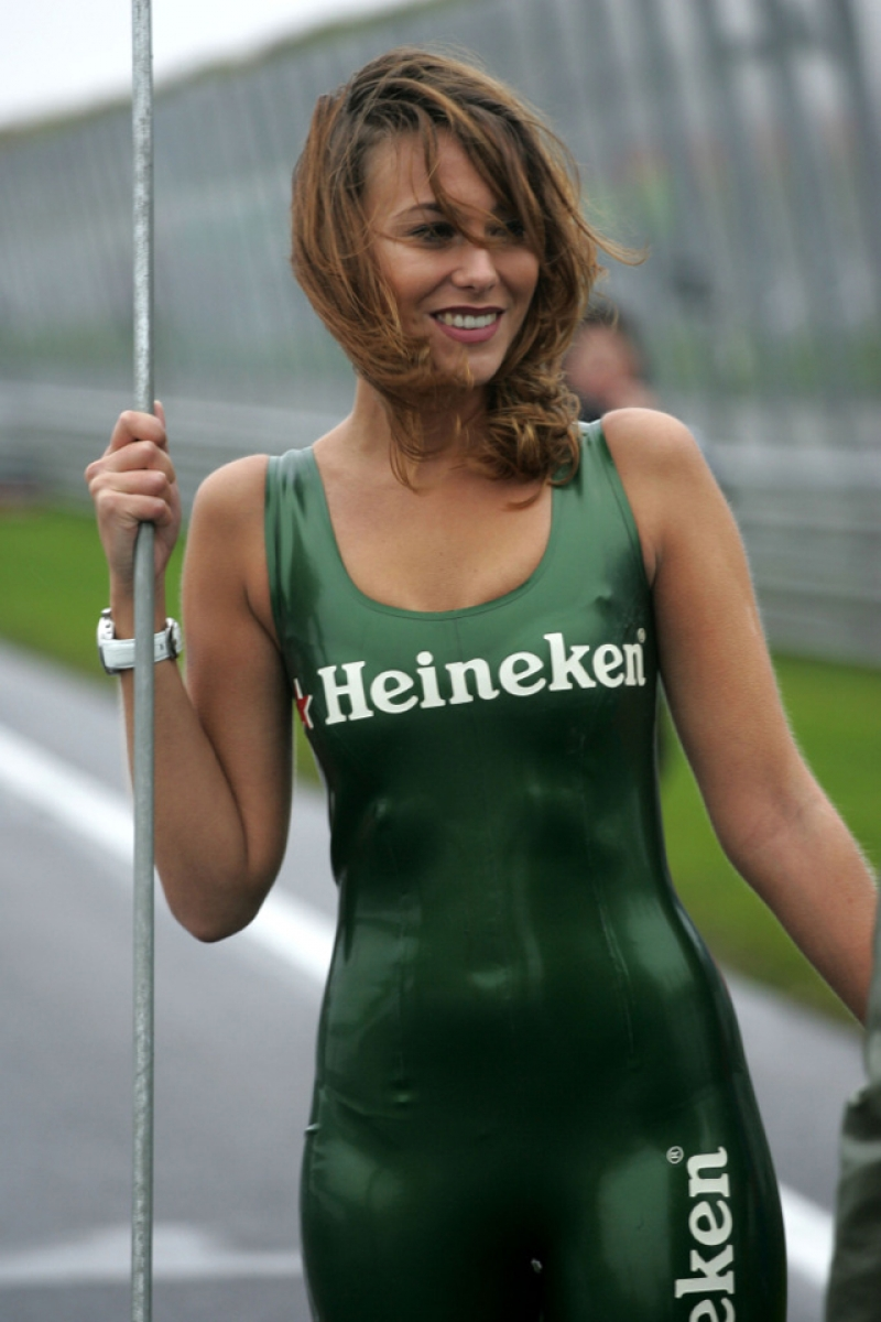 Heineken Girls Get Paid to